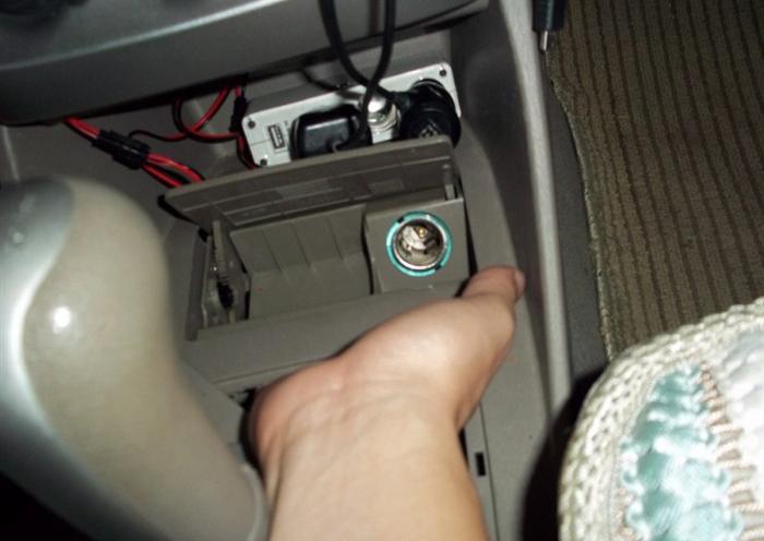 行车记录仪如何安装?自己动手轻松又简单
